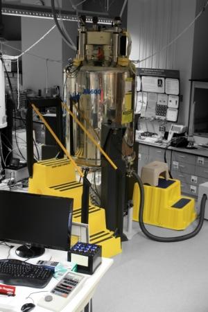 3 500mhz Sb Bruker Avance Nmr Spectrometer For Solution